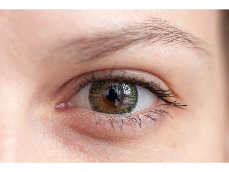 green on brown eye
